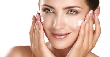 Olay Natural White Day Cream Review: Are the claims true?