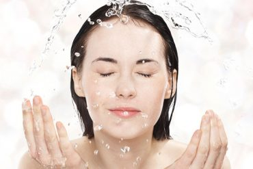 Sensitive Skin Product Review for Estee Lauder VeriteLightLotion Cleanser